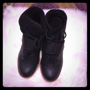 Black boots size 6.5